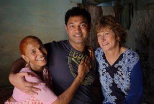 Saroo e le sue madri: Kamla e Sue.